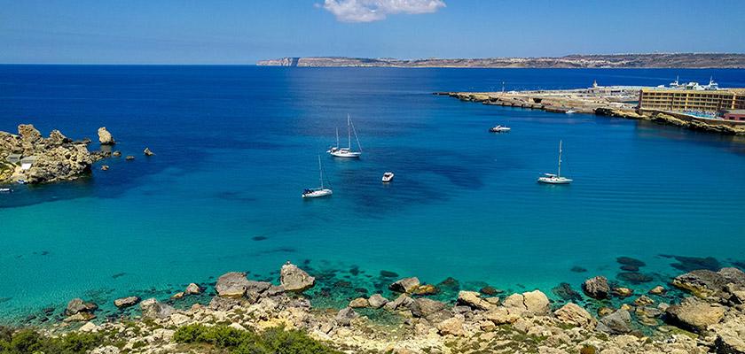 O nabieraniu dystansu, łapaniu słońca i uśmiechów, a także o życiu i pracy na słonecznej Malcie oczami Karoliny i Piotra
